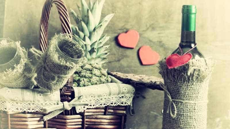 Aziz Valentine Kimdir