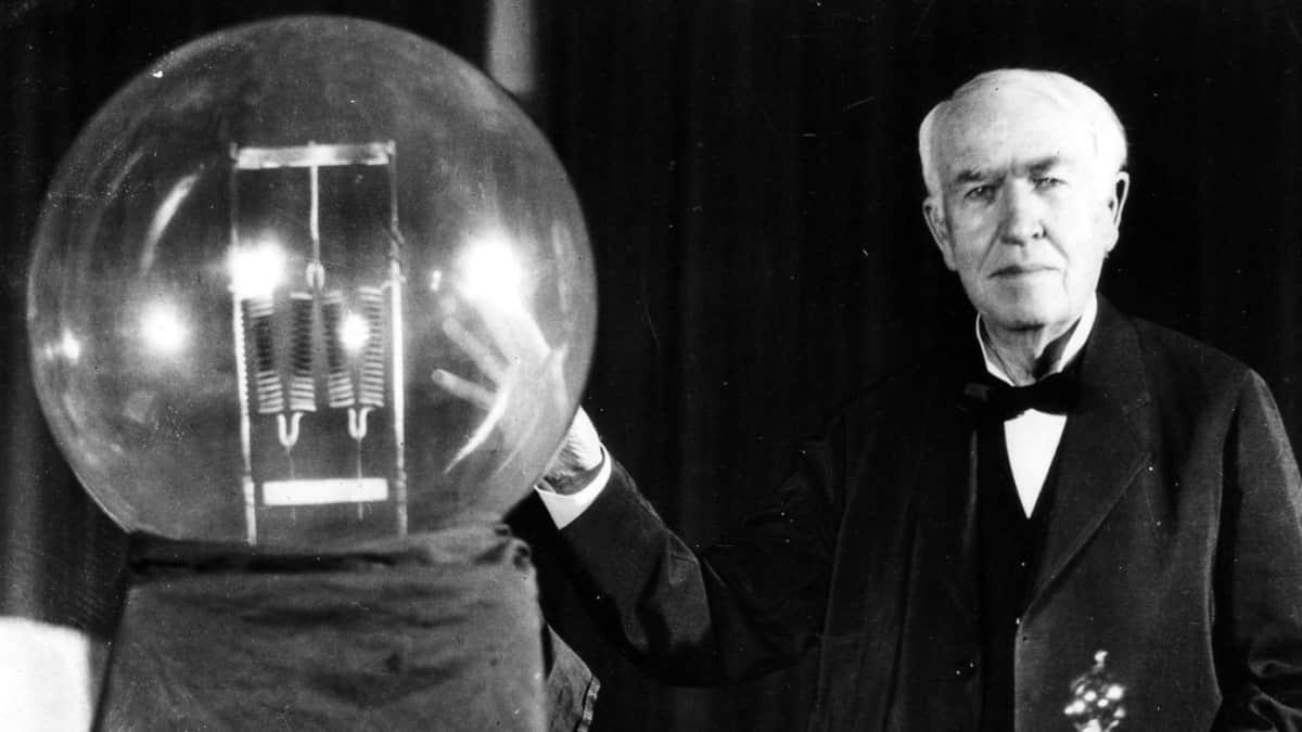 Thomas Edison Ampulü İcat Etti mi
